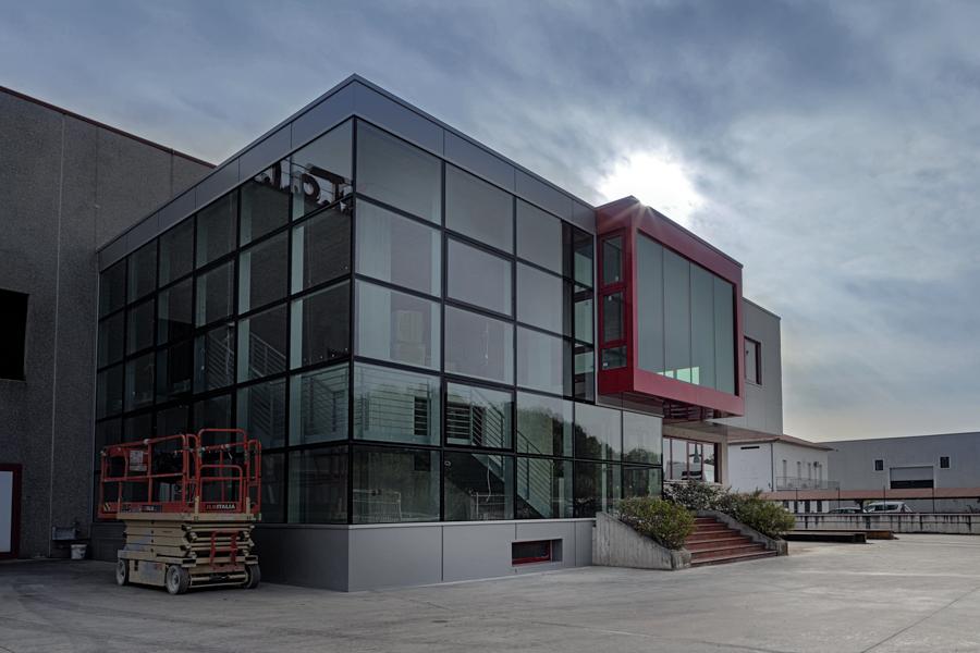 Ingresso uffici amministrativi - Fometal - Fonderia alluminio, leghe madri e affini