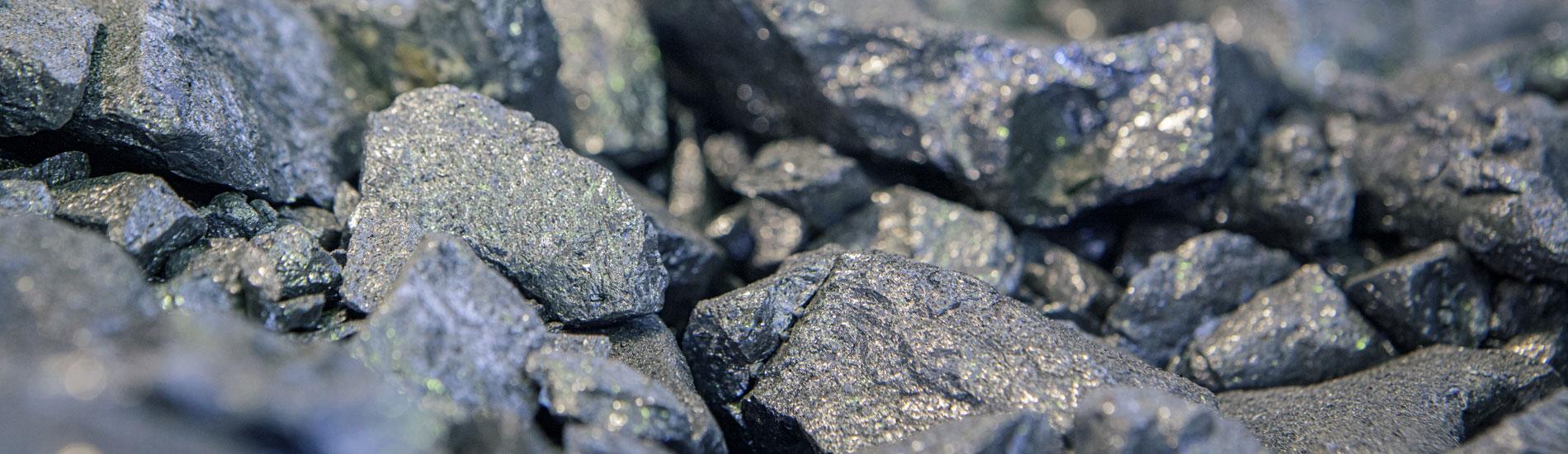 Primo piano metalli - Fometal - Fonderia alluminio, leghe madri e affini